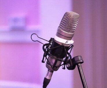 rekomendasi 30 podcast Indonesia terbaik
