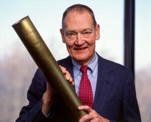 John Bogle, pendiri vanguard group, perusahaan manajer investasi yang mengeluarkan reksadana indeks pertama kali di dunia