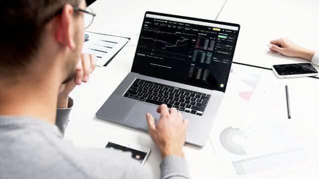 saham sebagai instrumen inveestasi jangka panjang
