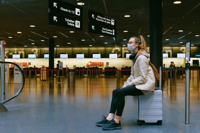 delay penerbangan - alasan membeli asuransi perjalanan
