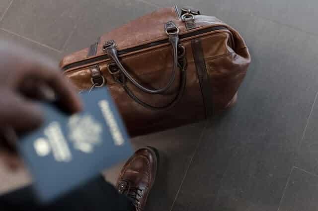 kehilangan bagasi - alasan membeli asuransi perjalanan